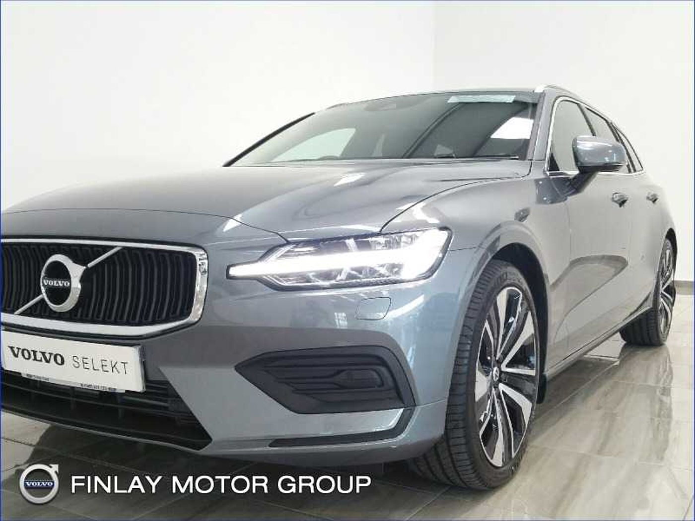 Volvo  D3 Momentum Automatic (Adaptive Cruise Control, Blind Spot Information System)