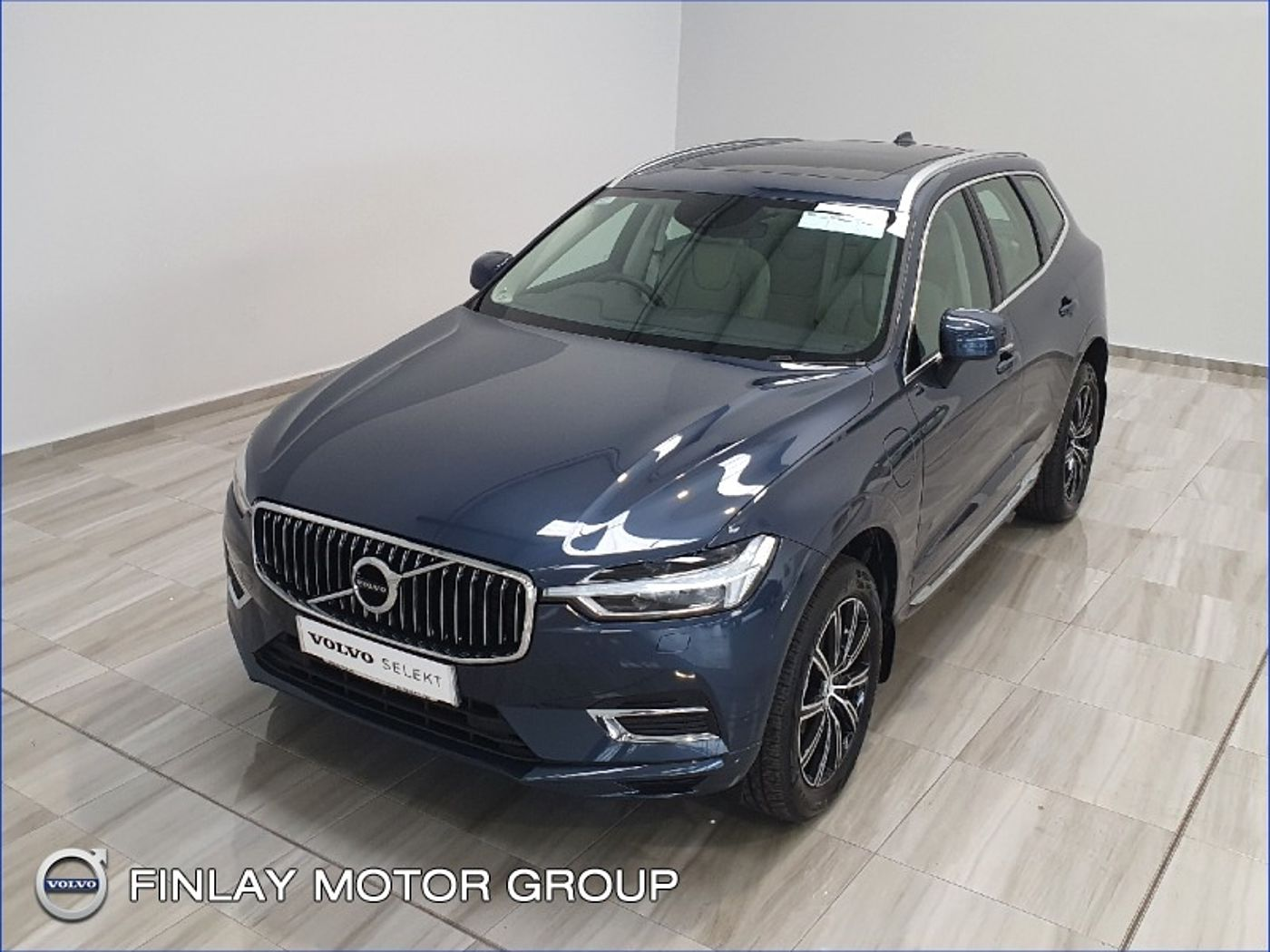 Volvo  T8 Twin Engine Inscription Automatic AWD Pan Roof , Harmon Kardon , Pilot assist