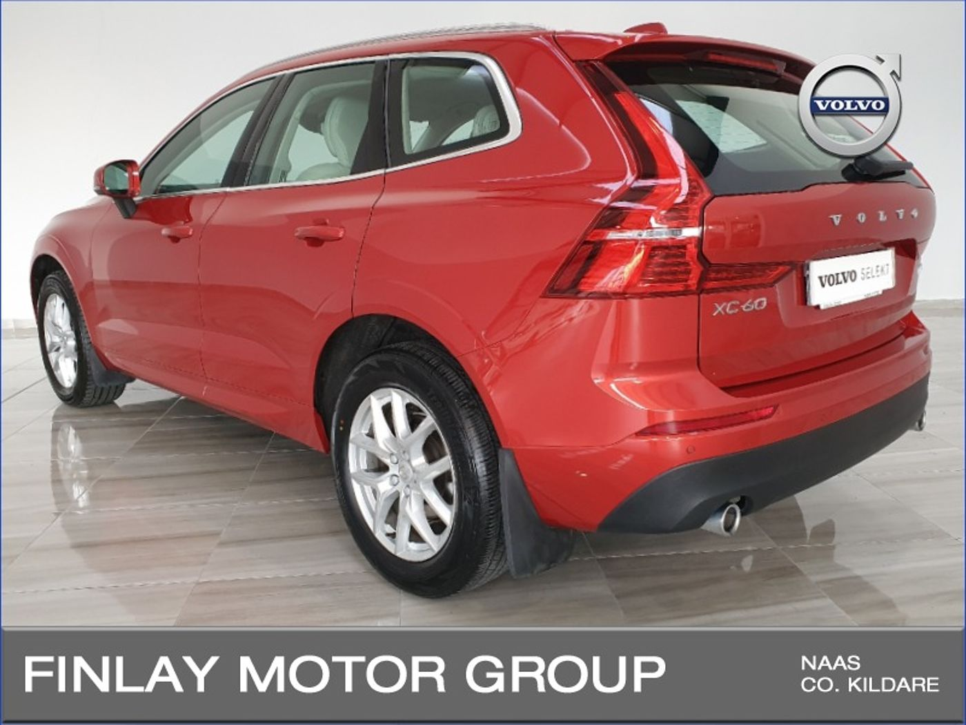 Volvo  D4 FWD Momentum Automatic , Rear Camera , Winter Pack ,